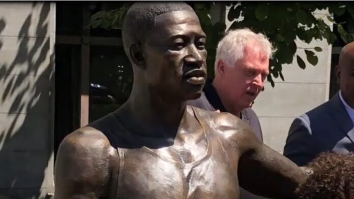 Twitter Users are Not Happy About the George Floyd Statue...